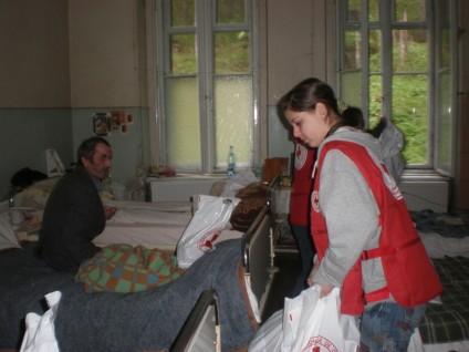 Crucea Rosie Cluj, Paste, Daruind vei dobandi, Distributia pachetelor